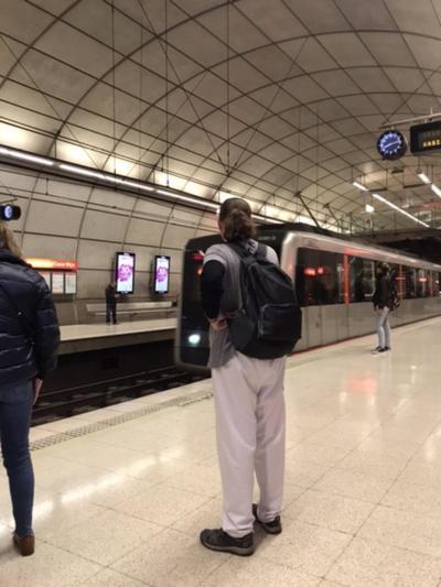 5/13月<br />Day7<br />Bilbao to Onton 28.8km<br />Bilbaoから地下鉄でPortugaleteまで行く。<br />今日は整備された平らな遊歩道と後半は海岸沿いを歩いた。<br />ほとんど舗装道路だったので脚が痛い。<br /><br />Casco Viejo駅から地下鉄に乗る。