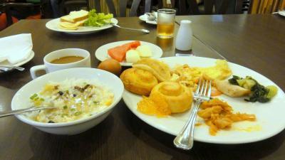 ペナンのホテルのバイキングの朝食です。