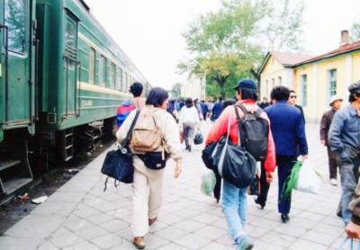 ◆満州里駅<br /><br />国境の街、当時、満州里へ一般の人民は通行証がなければ行く事ができなかった。<br />