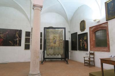 16:20分 サンテウストルジョ教会の博物館に入場<br />部屋を奥に進んでいくと、素晴らしい礼拝堂があった!