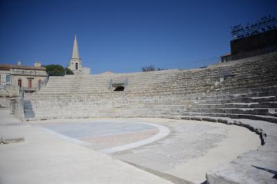 紀元前一世紀末に建設されたとされるローマ劇場