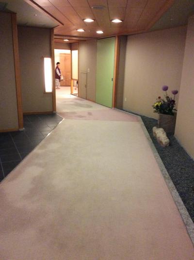 有馬グランドホテルの廊下は広々としてゆったりです。