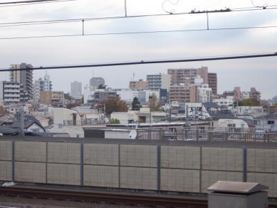 練馬駅のホームからは都内西北部の住宅街が眺められました。