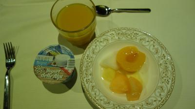 ホテルで頂く朝ご飯は、コレだけにしておきます。美味しそうなサンドイッチが待っているからです。