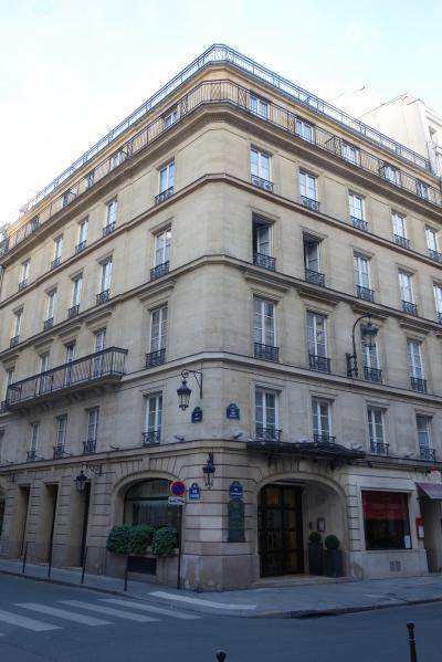 前日までのパリでの仕事が終わり、マルタへ移動する朝<br /><br />パリへの出張があった頃、よく泊まっていたホテル &quot;Royal Saint Honore Hotel&quot;