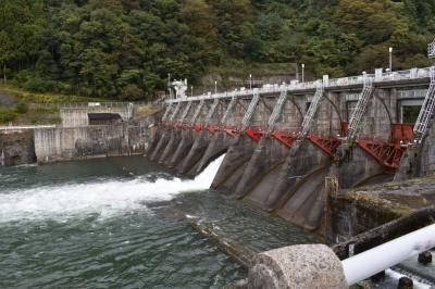 レストランの隣がダムだった。庄川合口ダムといいます。