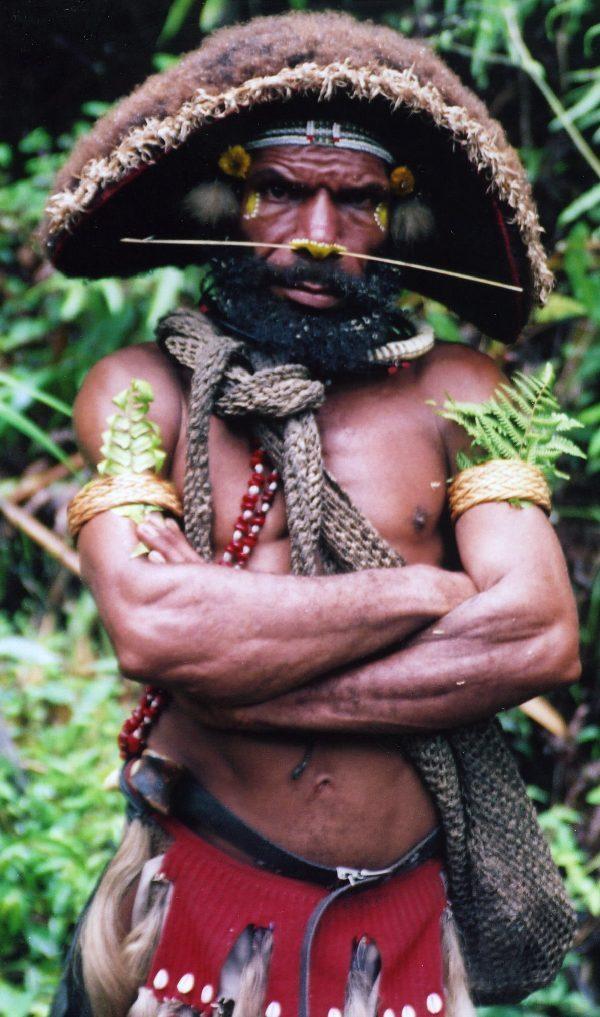 秘境の島パプア・ニューギニア島ー地球の島めぐりシンシン(民族の踊り)