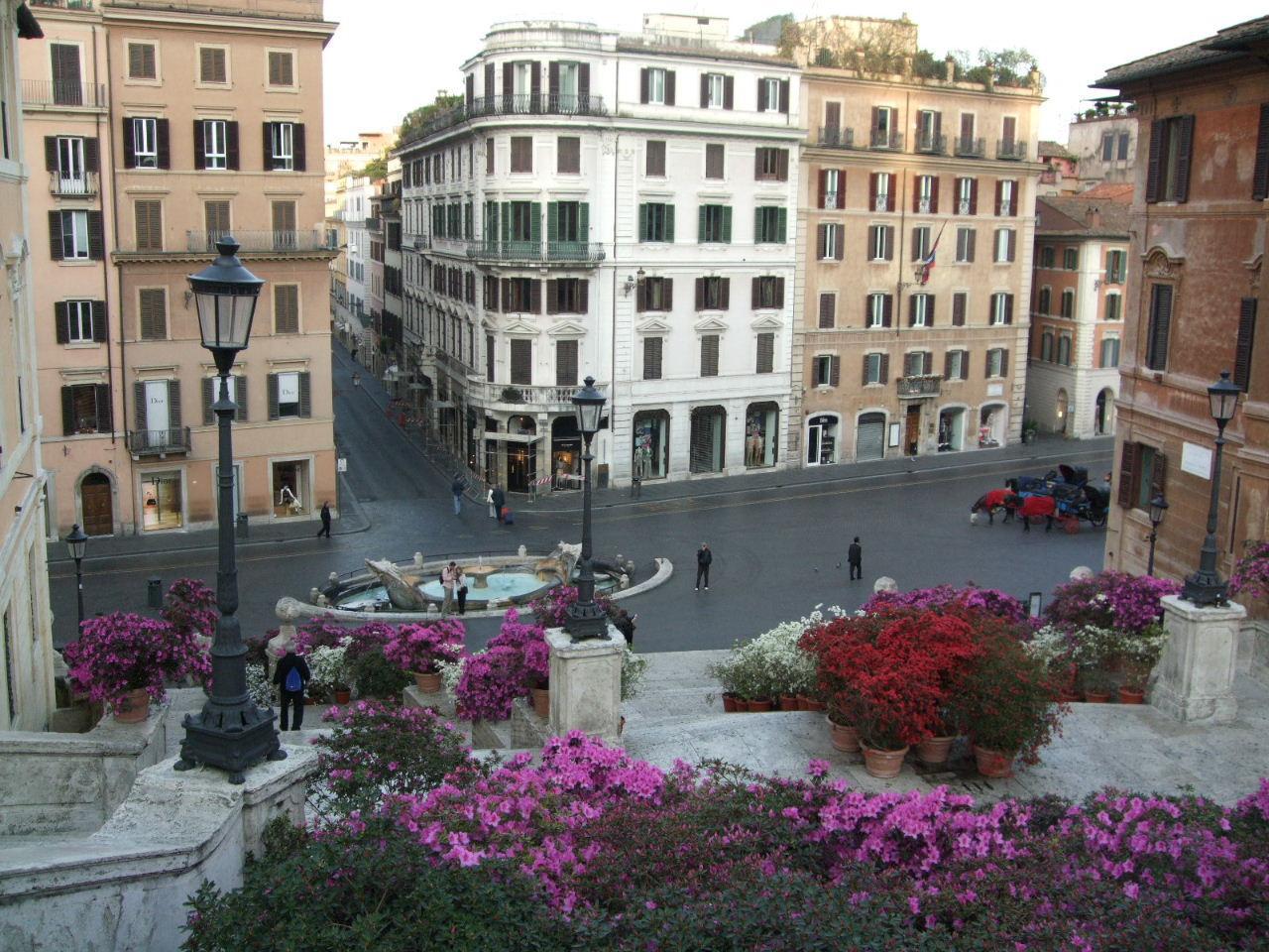 ローマ 朝のスペイン広場
