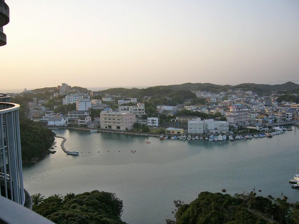 『千畳敷、三段壁』南紀白浜(和歌山県)の旅行記・ブログ by ...
