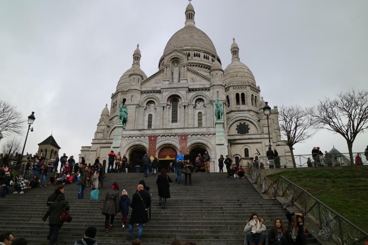パリ モンマルトルの丘への行き方 -9月初旬にパリ …
