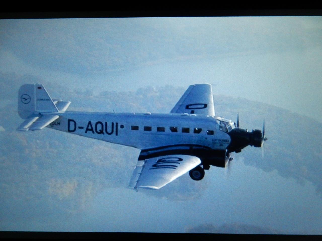 src 44834450 - 戦前のユンカース旅客機飛ばすンゴw→アルプスに激突して墜落20人全員死亡