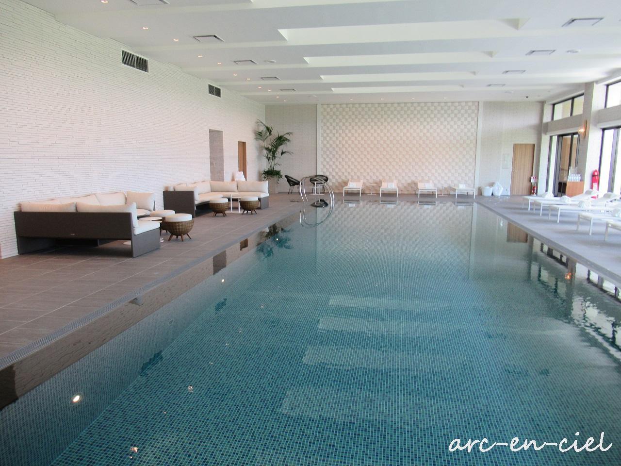 ハレクラニ 沖縄 プール