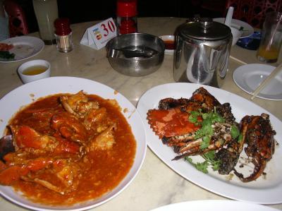 イーストコースト地区のシーフードレストランでブラックペッパーカニを満喫