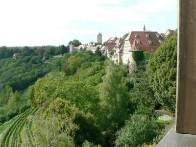 ゴルデナーヒルシュ:渓谷の景色が最高です