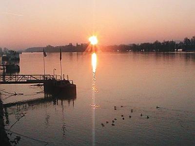 ライン川の日の出は身震いするほど美しい