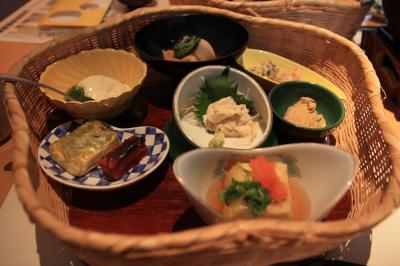 ○ 豆腐屋がプロデュースする豆腐料理専門店 「百年豆腐とうりん」
