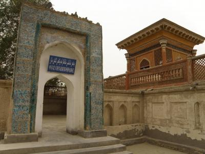 ヤルカンド王国建国者サイイド王を始めとする歴代の王達の陵墓群