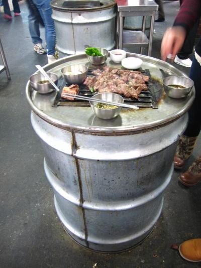 絶品!ドラム缶焼肉  ゴミ袋持参をオススメします