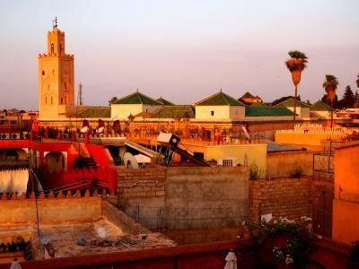 テラスから、ドゥカラモスクが見える。