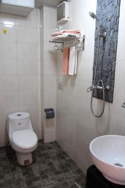 典型的な中国本土のバスルームです。