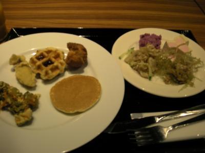 朝から沖縄料理をモリモリ♪