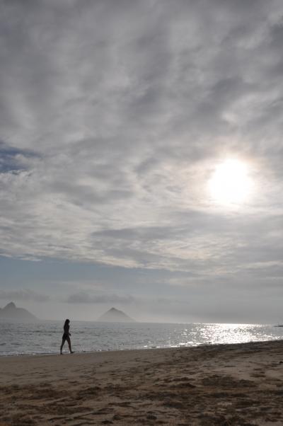狙い目は早朝、ラニカイビーチでのんびり♪