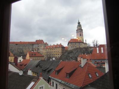 窓からの眺め。お城が見えます