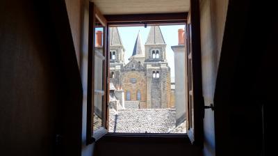 窓から教会を眺望できるのは各階に1室(と思われます)