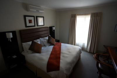 ベッドルーム。この部屋もTVありました。
