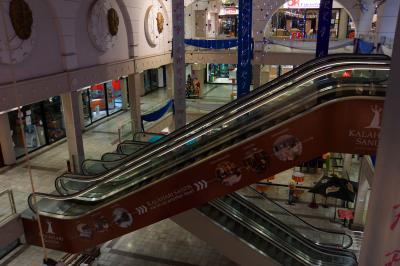 ショッピングモールの3Fがホテル入口です。