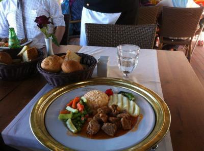 トプカプ宮殿内にあり、味はともかく景色は最高
