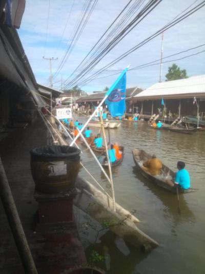 土日はすごい人波。タイ人に人気です。