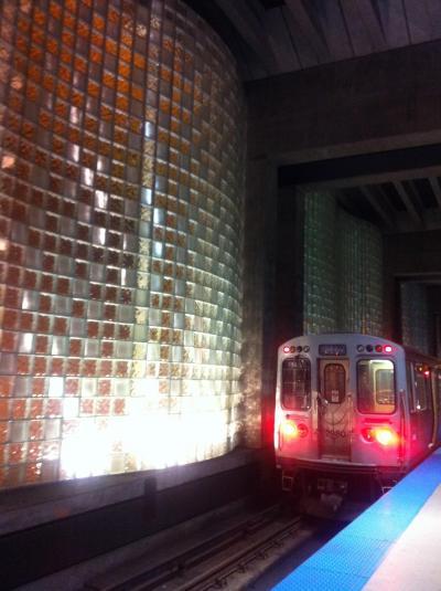 地下鉄の駅も印象的