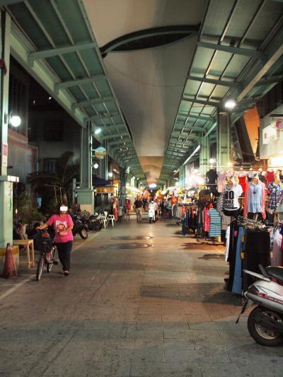 B級洋服に興味がなければ行かなくてもいいかも-南華観光夜市-