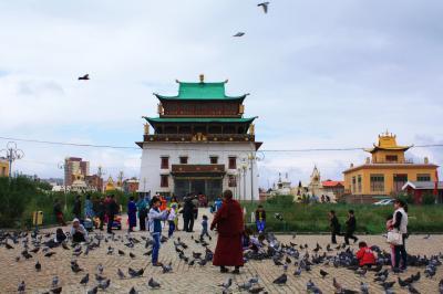 社会主義時代をくぐり抜け、発展を続けるチベット仏教の寺院 ガンダン寺