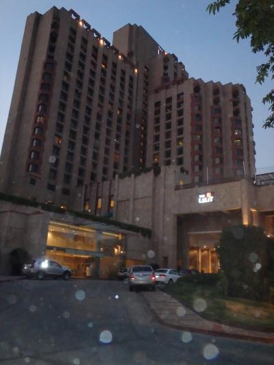 デリー中心部の上級ホテル