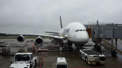 A380 USBコネクタあり。 映画ソフト充実。