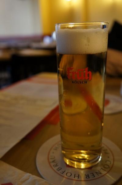 朝早くからケルシュビールを楽しめるお店
