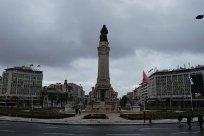 円形のポンバル侯爵広場