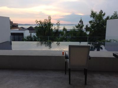 シンガポールを対岸にみて、ヴィラでゆっくり過ごせる場所
