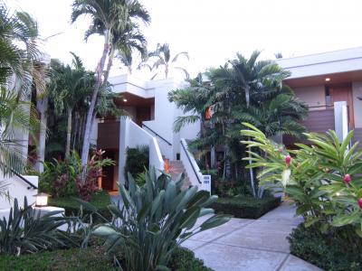 広大な敷地に点在するハワイ島のパワー漲る高級コンドミニアム