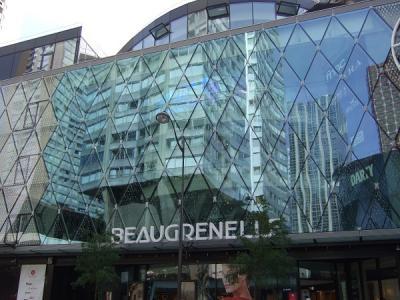 パリ15区の巨大ショッピングモール