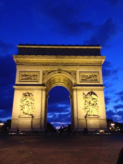 威風堂々 パリのシンボルの一つ