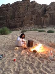 ワディラム砂漠でリモートキャンピング (野外キャンプ)