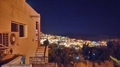 高いところにあるのでペトラの街がみわたせます