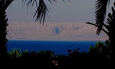 対岸はイスラエル
