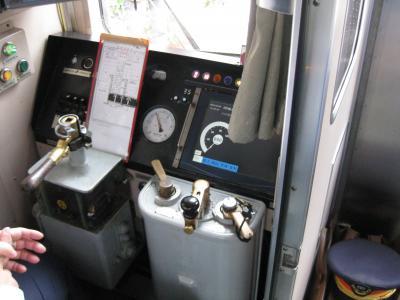 台湾の鉄道は、軌間は日本と同じでした。