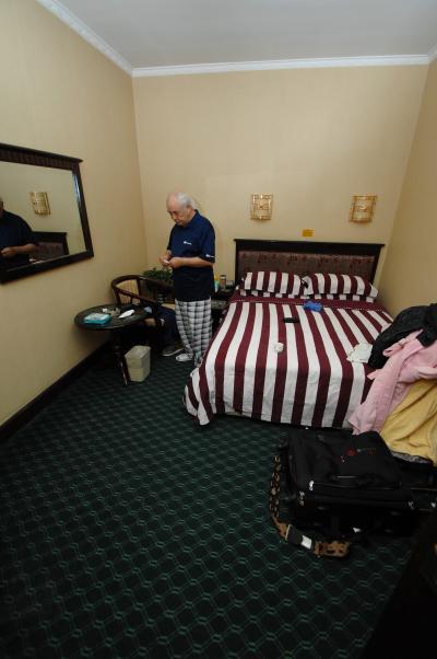 寝室(1人部屋)4部屋有ります