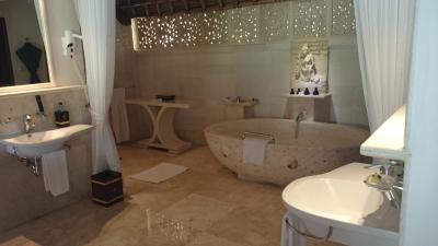 お風呂のお湯もたっぷりあります。