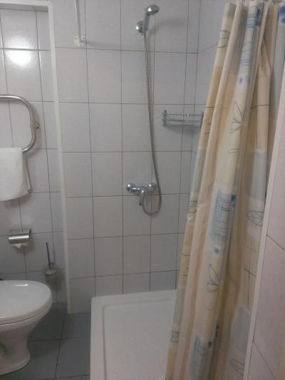 バスタブの無い部屋で、初日はお湯が出ませんでした